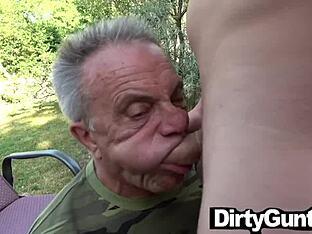Opa sex schwuler Schwul opa